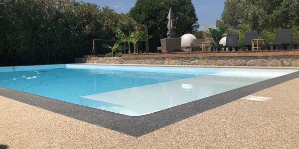 place piscine resine de marbre moquette de pierre seoz bat